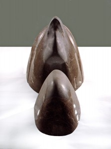 Twarz IX / Face IX z cyklu ?Twarze? / from the series Faces, 1997, marmur / marble, 40×70×70 cm