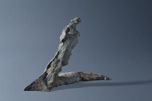 Postać / Form z cyklu ?Cienie? / from the series Shadows, 2003, brąz / bronze 21×8×27 cm