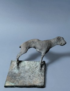 Pies I / Dog I z cyklu ?Cienie? /from the series Shadows, 2004, brąz / bronze, 24×31×26 cm