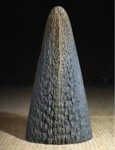 Tors VI / Torso VI z cyklu ?Torsy? / from the series Torsos, 1995, drewno polichromowane / polychrome wood, 170×90×40 cm